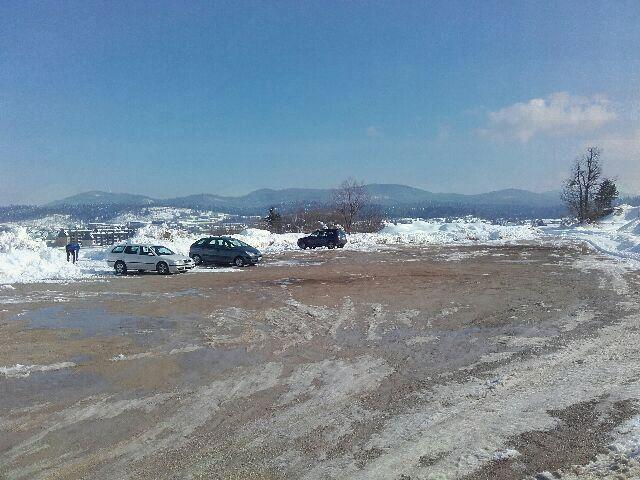 Kje parkirati v okolici športnega parka Sekirica