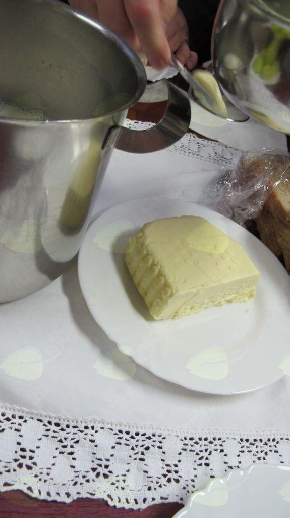Slovenski zajtrk na tržnici v Logatcu