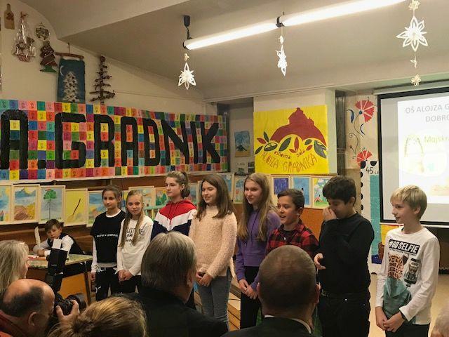 V pobrateni občini Repentabor - Počastitev 45-letnice poimenovanja osnovne šole po pesniku Alojzu Gradnik