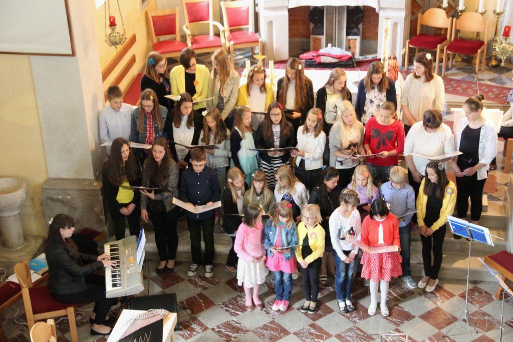 Koncert otroško mladinskega zbora Podkraj in Žnidarc