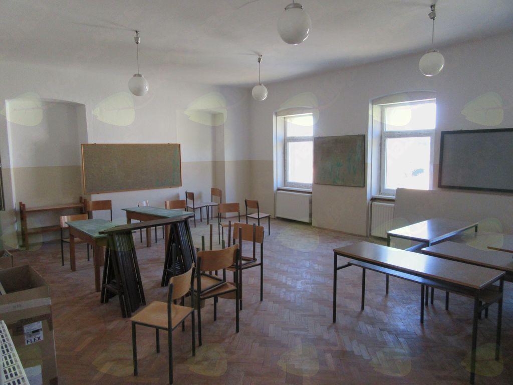 Obnova stare šole v Kamnjah