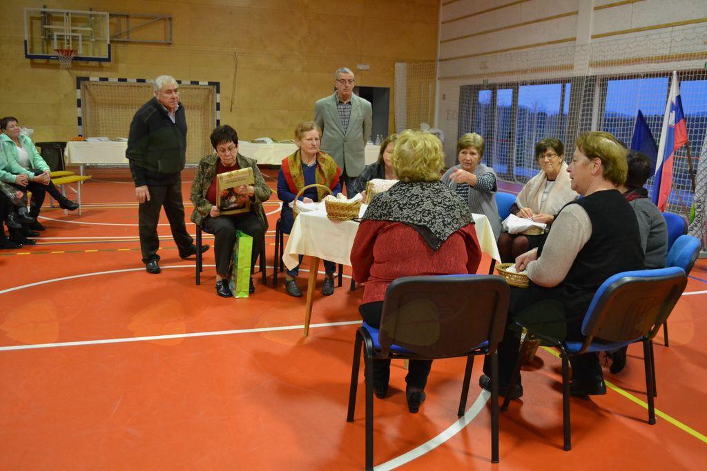 'Starejši za starejše' v Črničah