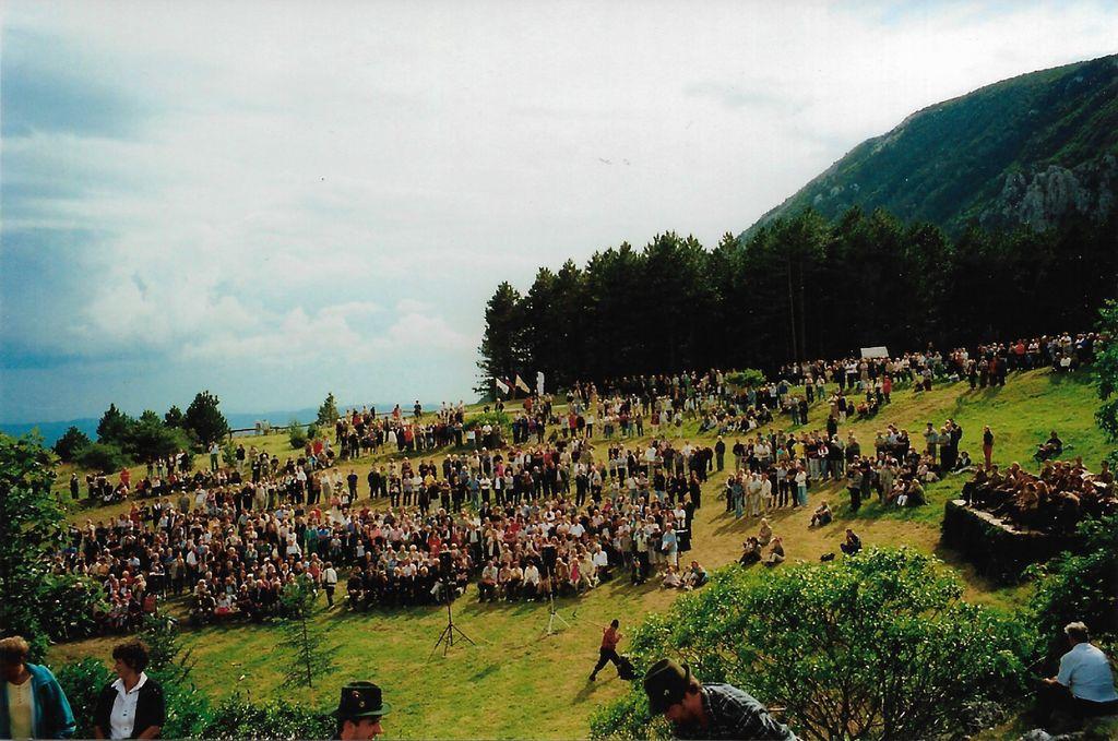 Proslava ob 400-letnici poselitve Gore 1. 9. 2001