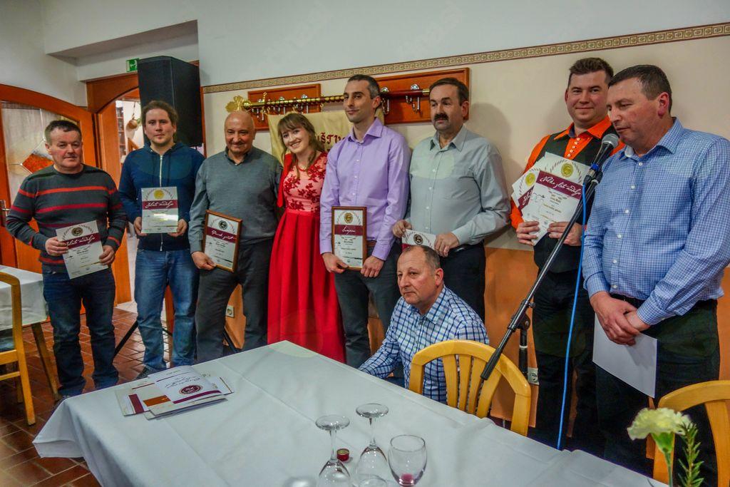 Občni zbor DV Mirna Peč in razglasitev ocenjevanja vin