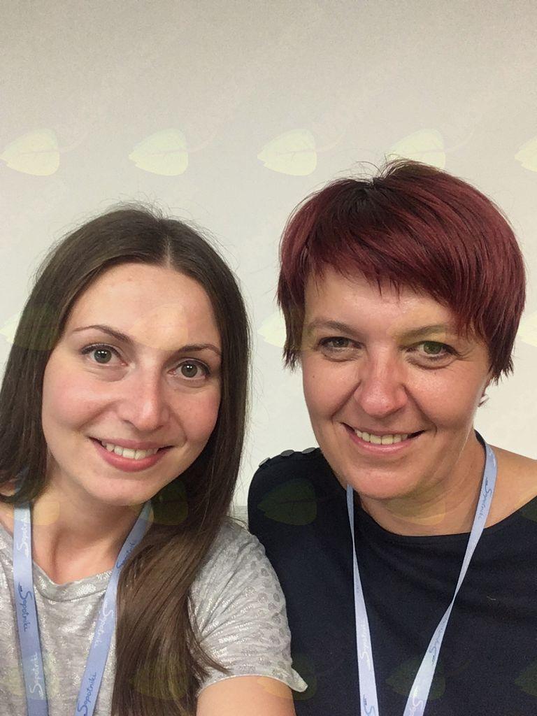 Koordinatorka Klaudija in prostovoljka Darja