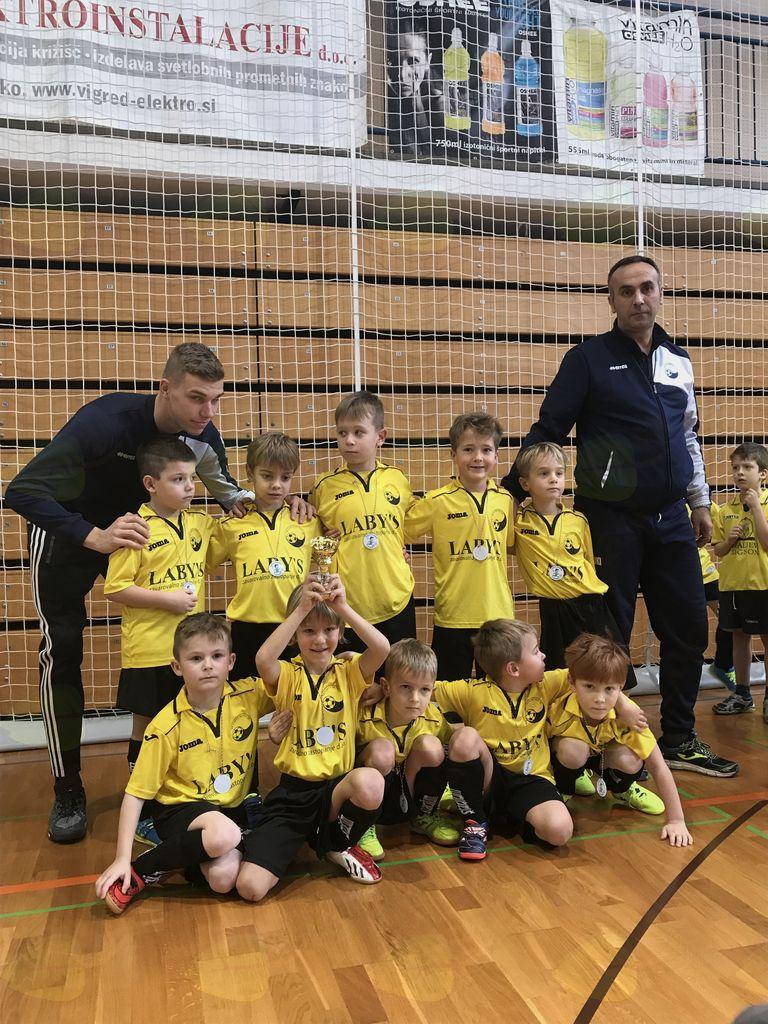 Najmlajši nogometaši osvojili svoj prvi pokal