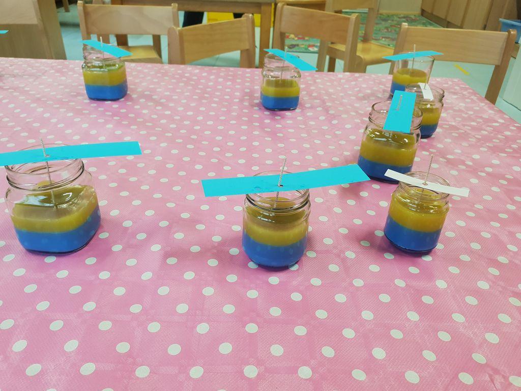 v vrtcu - izdelava dišečih svečk iz odpadnega olja