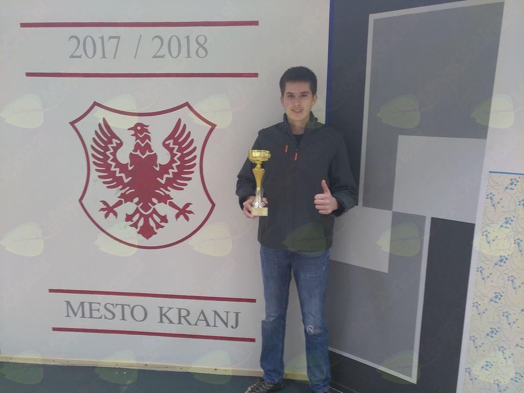 Aljaž Žvokelj, državni prvak v slikopleskarstvu