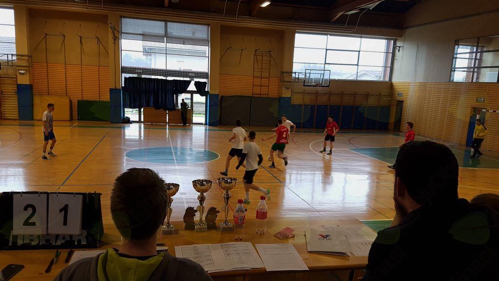 Kar devet ekip na turnirju v malem nogometu
