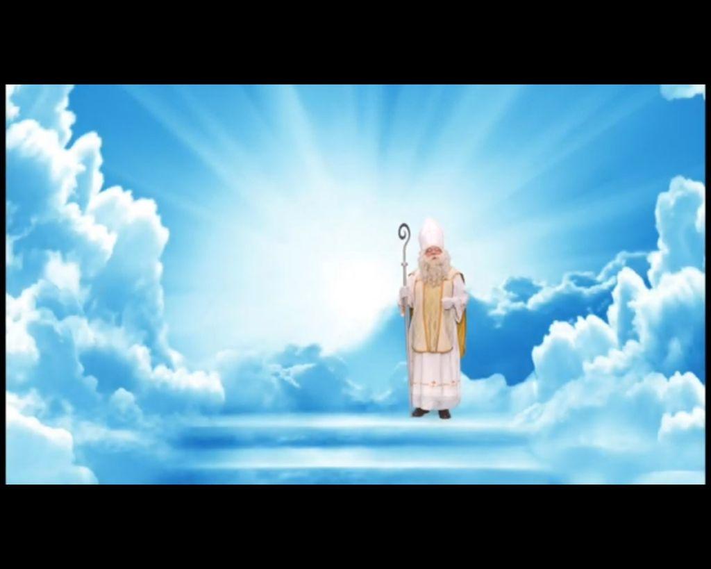 Takole je Miklavž letos prišel naravnost iz nebes.