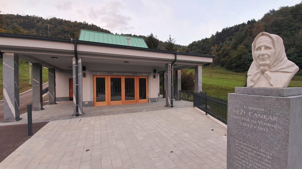 Zadnji dokončani objekt, pod katerega se je podpisal arhitekt Andrej Briški, stoji prav na Vrzdencu.
