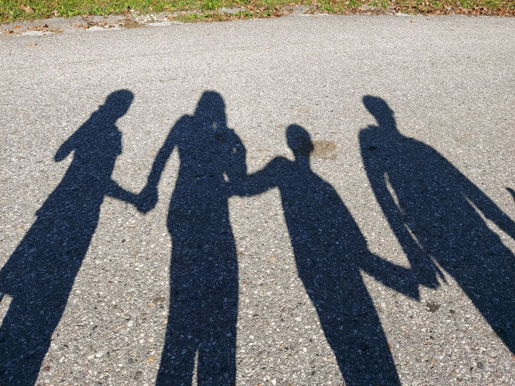 Dobri odnosi v družini, aktivnosti otrok in staršev pozitivno vplivajo na počutje in zdravje.