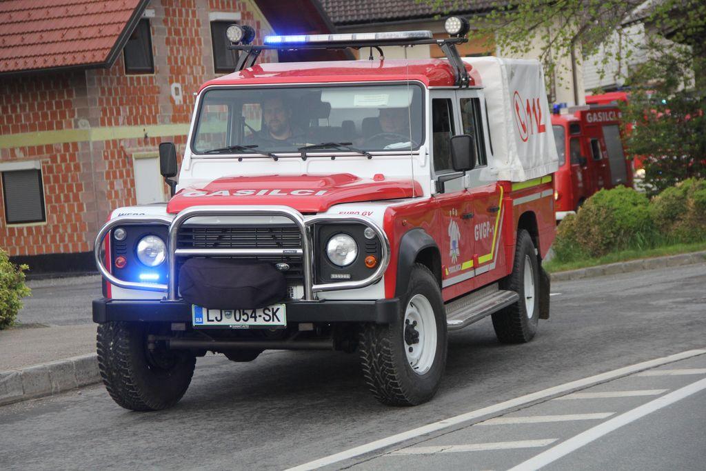 Gasilski Land Rover za hitre intervencije na težje dostopnih krajih.