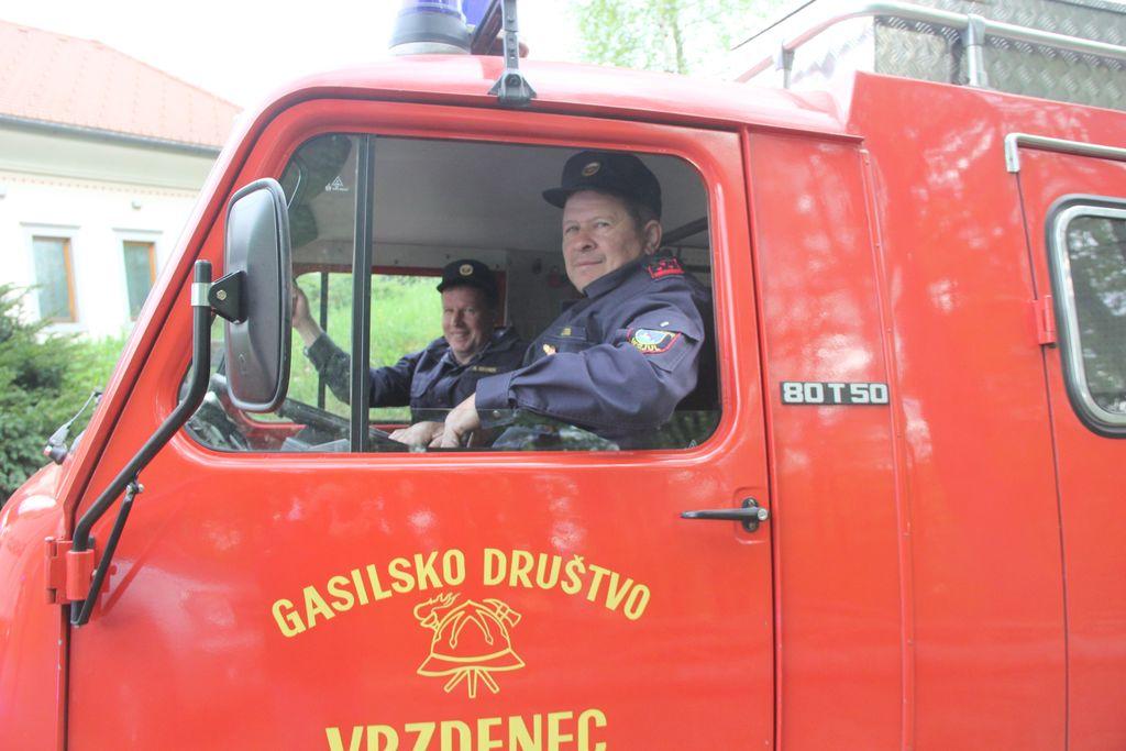 Gasilske ekipe vseh petih društev so se takoj odzvale na pobudo poveljnika.
