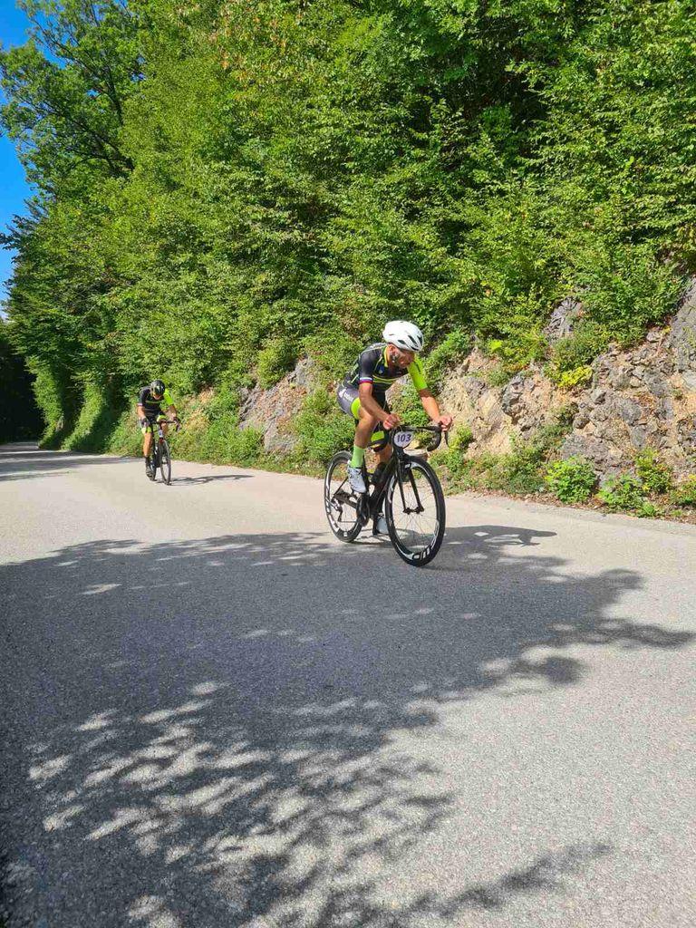 Vzpon na Koreno s kolesom in peš