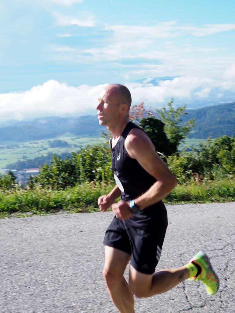 Med gorskimi tekači je zmagal Darko Šalamun.