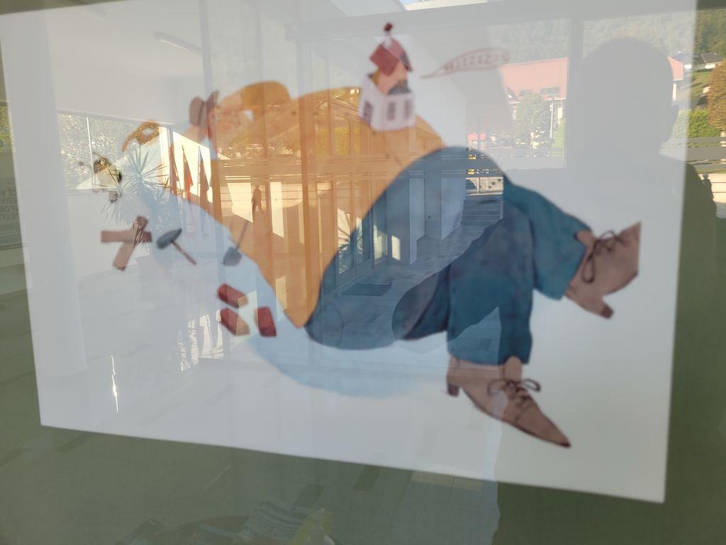 Nagrajene ilustracije na ogled v občinski avli