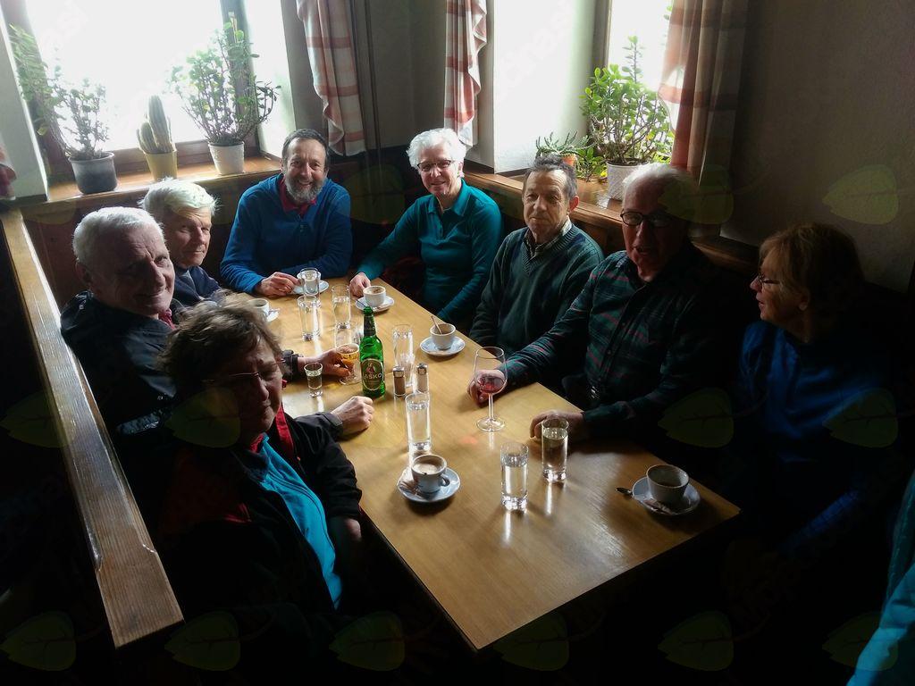 Pohod Olševek - Luže - Breg: Kavica pr´ Kovač´ na Visokem