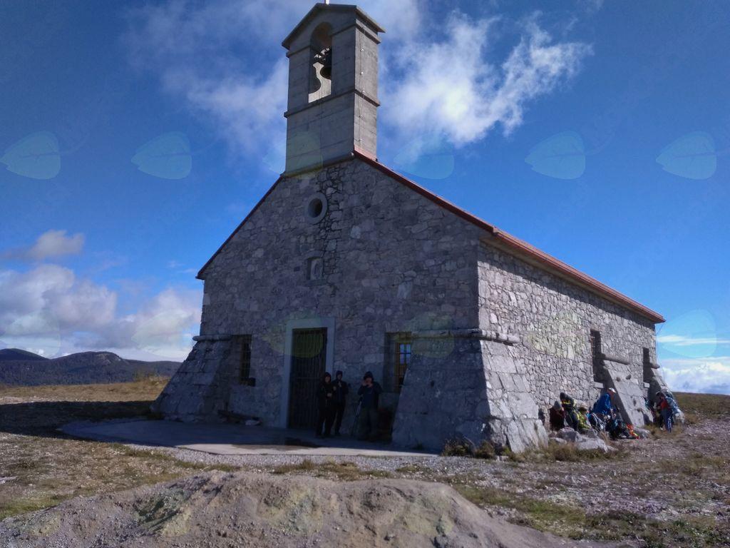 Novozgrajena cerkvica na mestu nekdanje