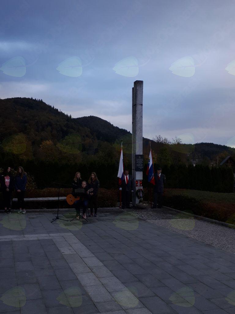 Žalna komemoracija v počastitev dneva spomina na mrtve