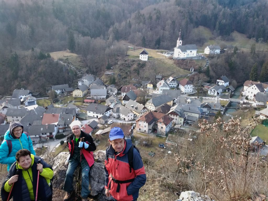 Pogled z Zjavke na Kamno Gorico