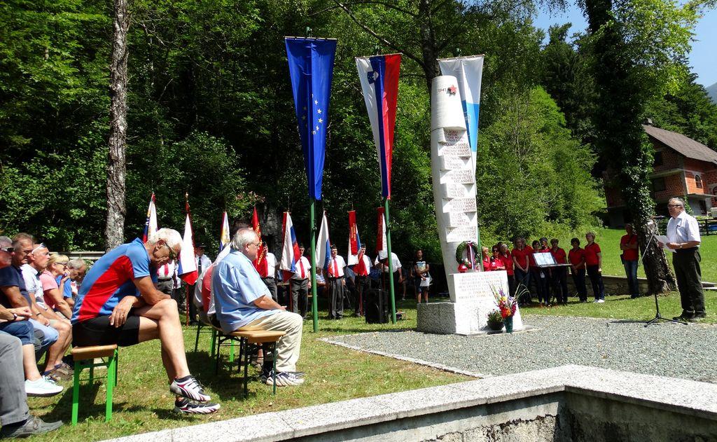 Spominska svečanost ob 77. obletnici požiga vasi Kokra