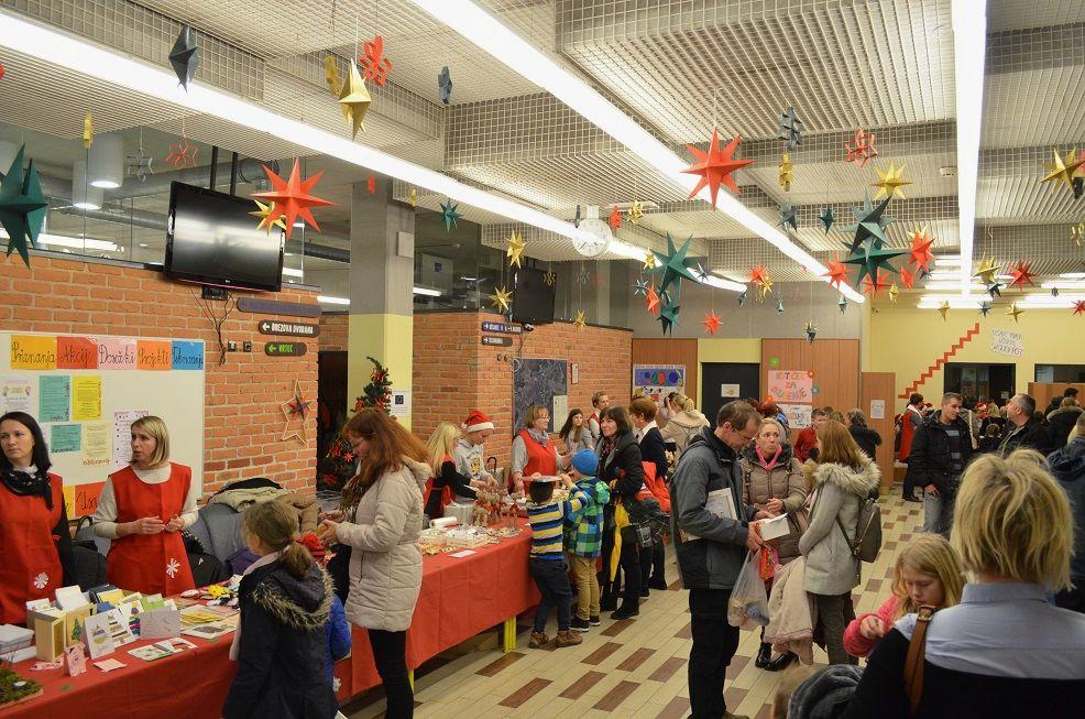 Dobrodelni bazar na OŠ Brezovica 2017