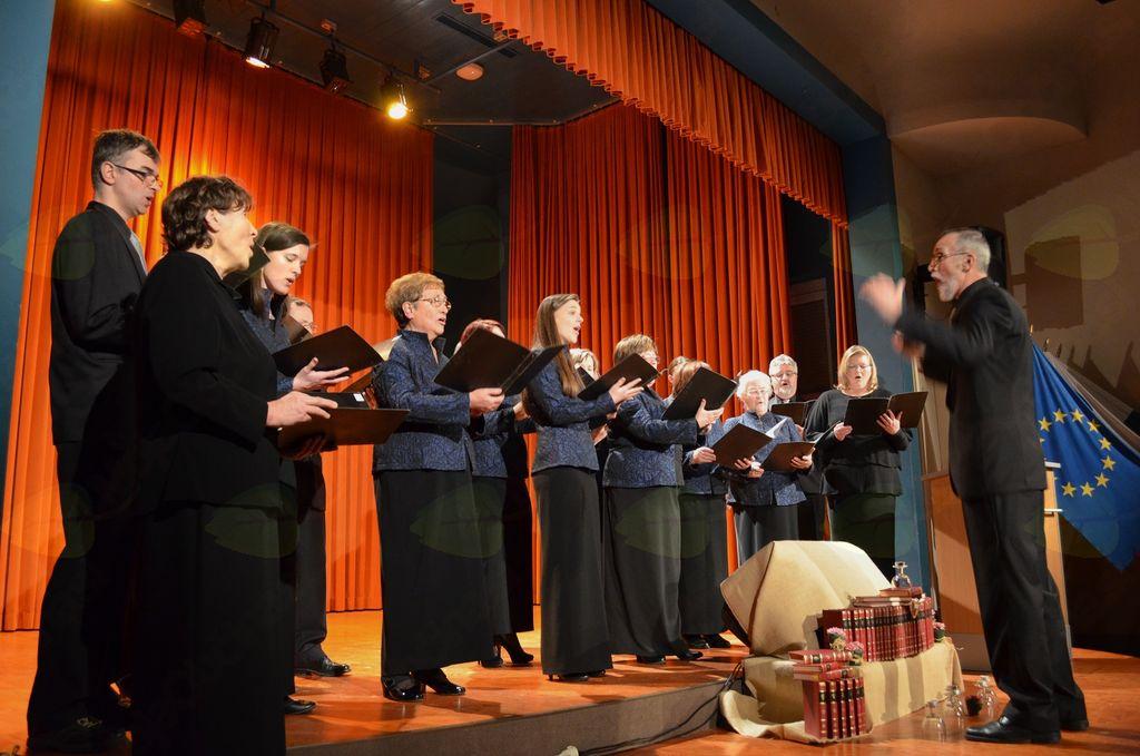 Mešani pevski zbor iz KD Breza