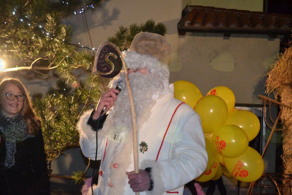 Prireditev Dedek Mraz prihaja v vas in božično-novoletni koncert