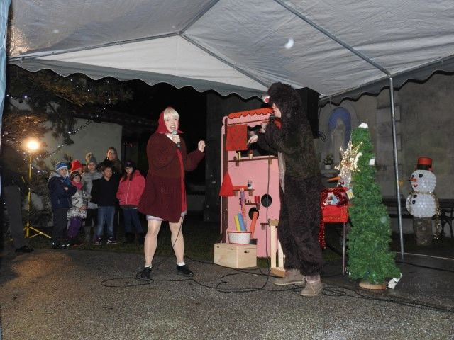 Prireditev dedek Mraz prihaja v vas in božični koncert