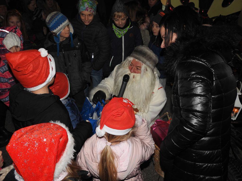 Božično-novoletni koncert in prihod Dedka Mraza