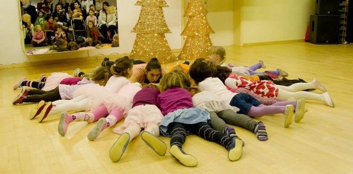 BIBARIJE - zgodbice, igrice, pesmice in ples za otroke 2-3 leta s starši