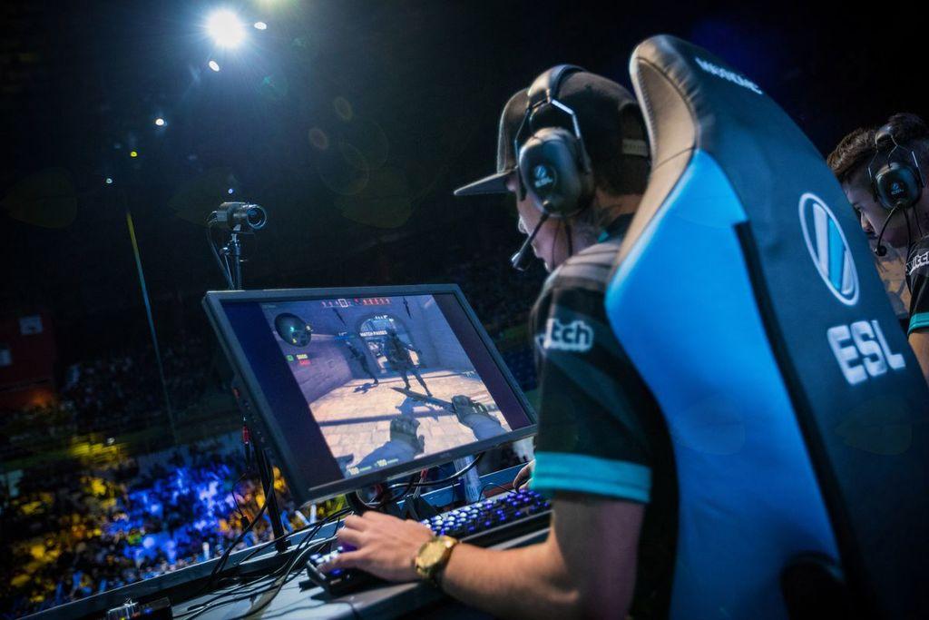 NEST 2017 - Arena BTC Ljubljana - tekmovanje v računalniških igrah