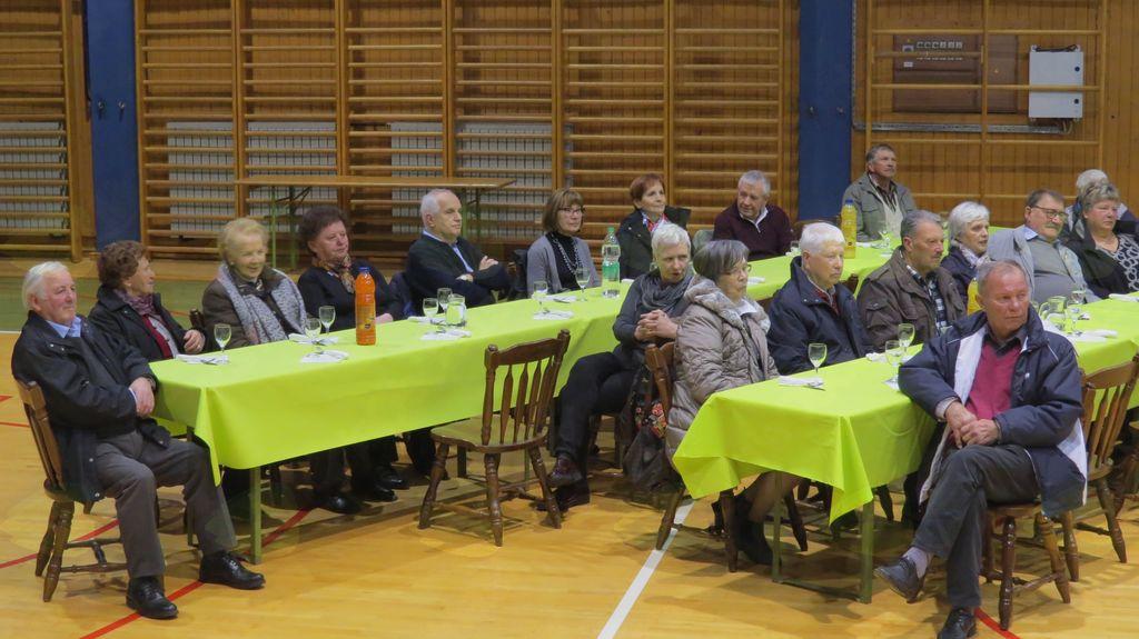 Velika udeležba zbora