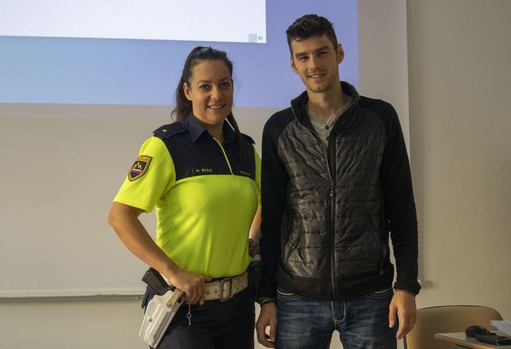 predstavitev poklica policist na EGSŠ Radovljica