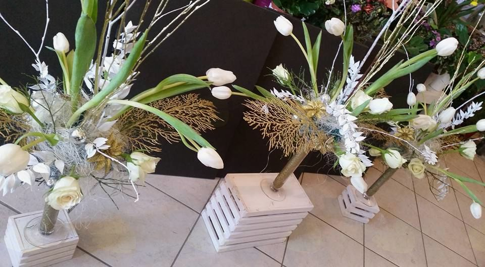 Popolna cvetlična dekoracija