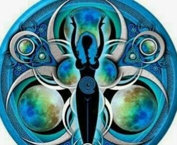 Potujoč ženski krog - Objem Velike Matere