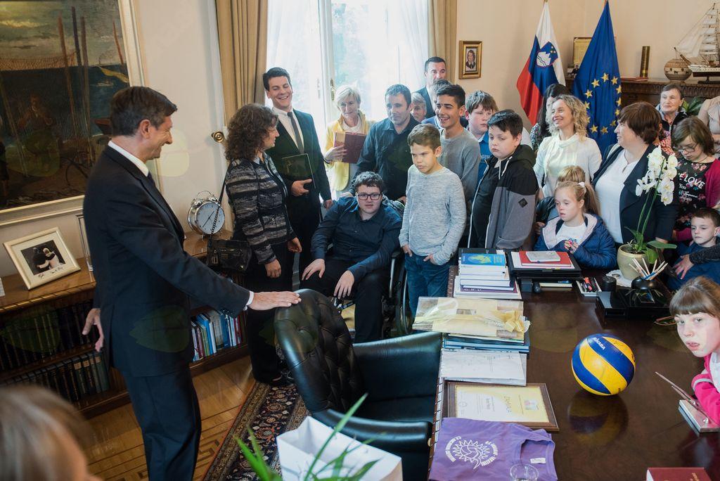 OPP NIS v predsedniški palači