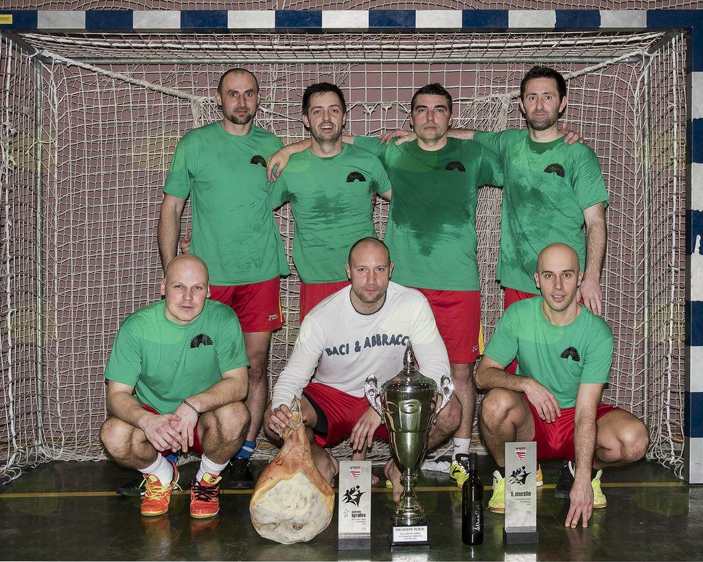 Veteranski malonogometni turnir v Dobravljah