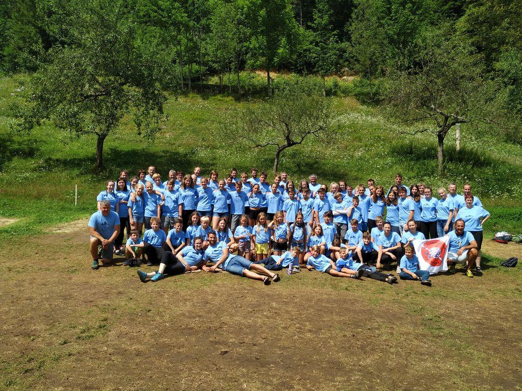 Podnanoški planinci na taboru