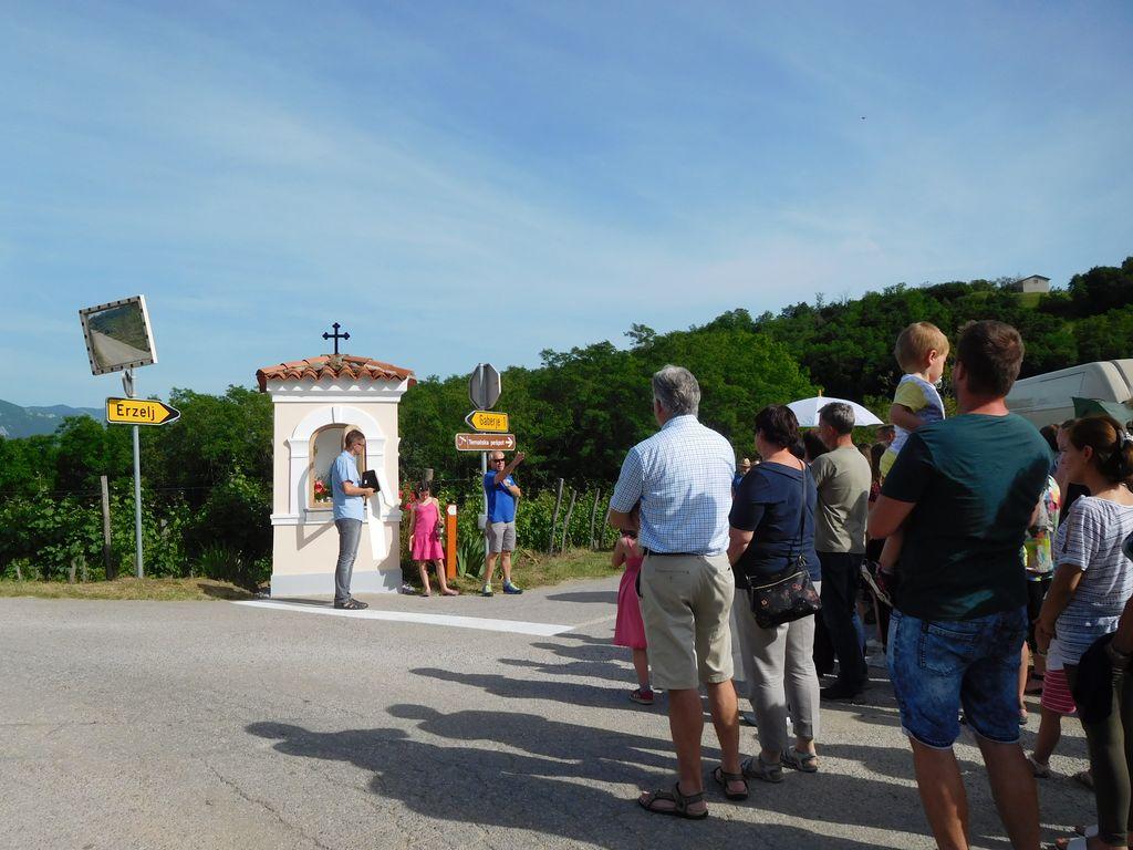 Kapelica na križišču proti Gaberjem, Planini, Erzelju in Slapu
