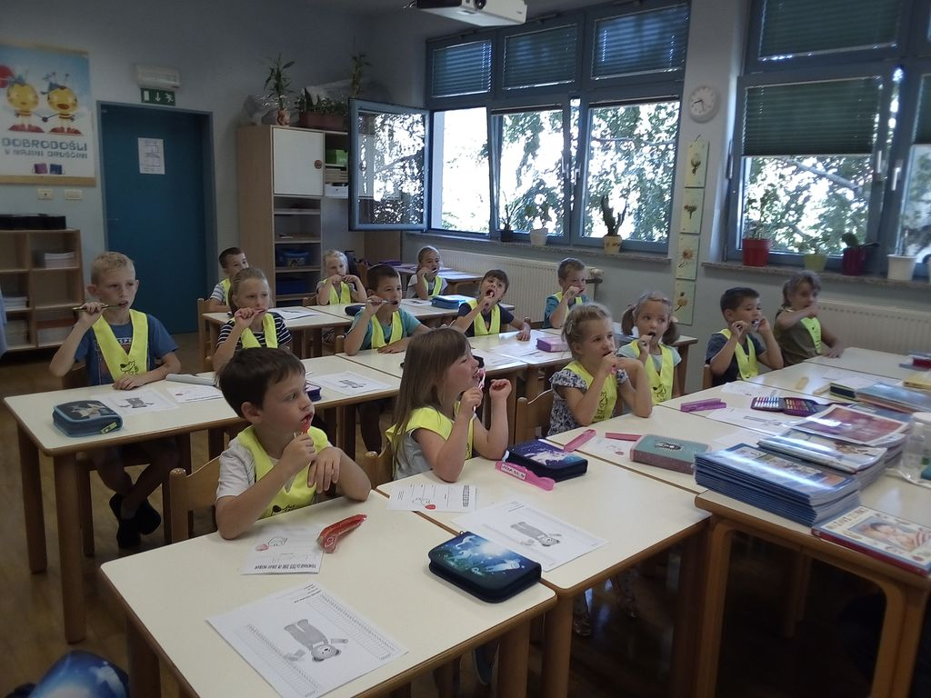 Skrb za zobe prvošolcev v Podnanosu