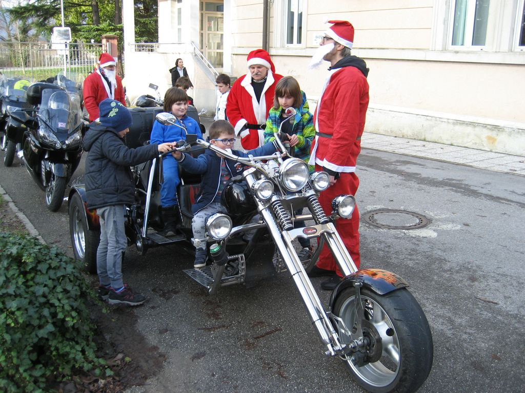 Božički na motorjih