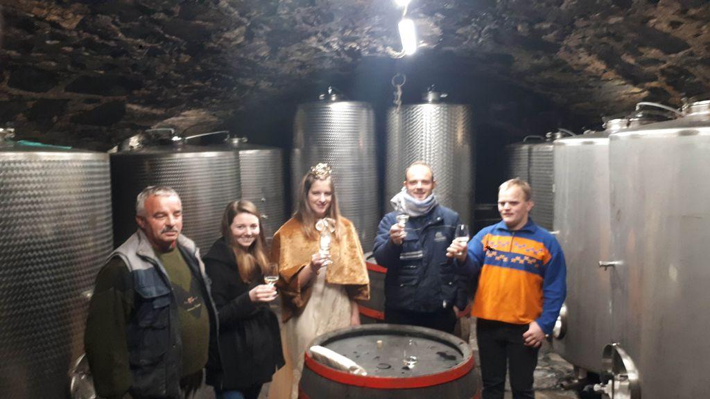 Goče obiskala slovenska vinska kraljica