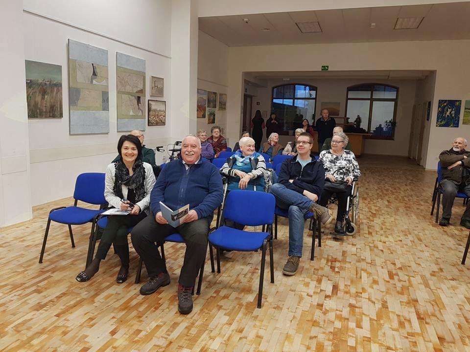 Občinstvo na otvoritvi v Logatcu