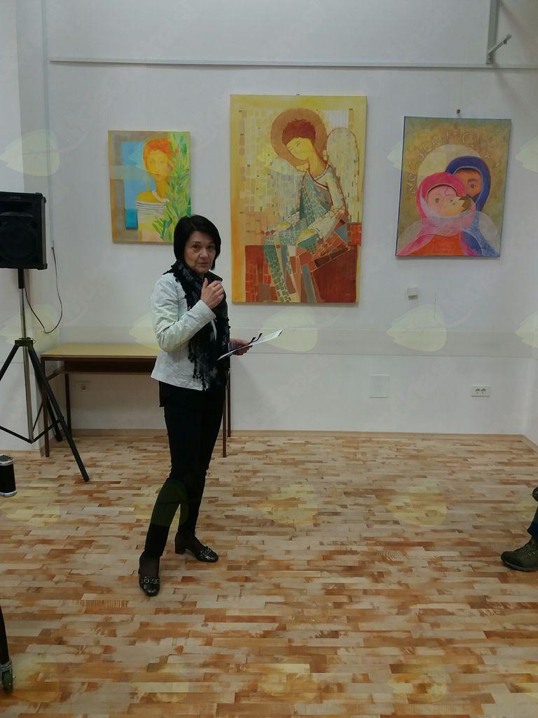 Kolonijo in umetnike je predstavila Anamarija Stibilj Šajn