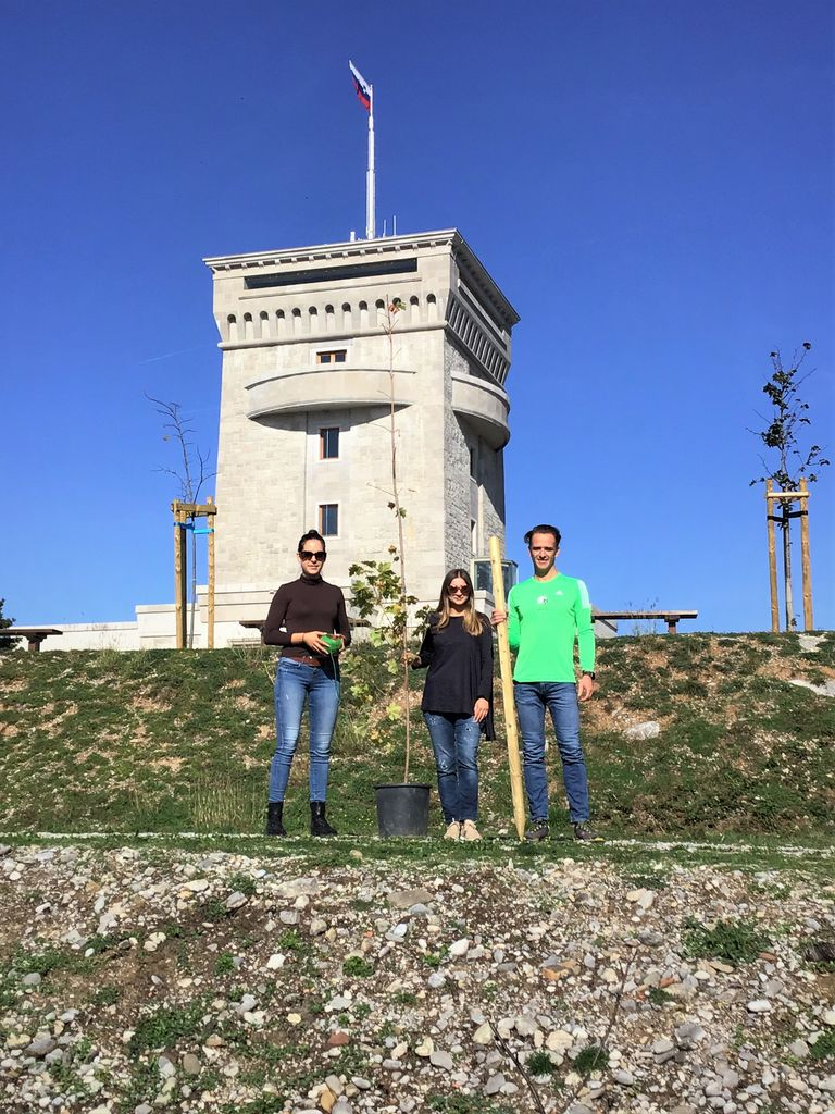 Ekipa Kongresnega urada Slovenije pustila sled na Cerju