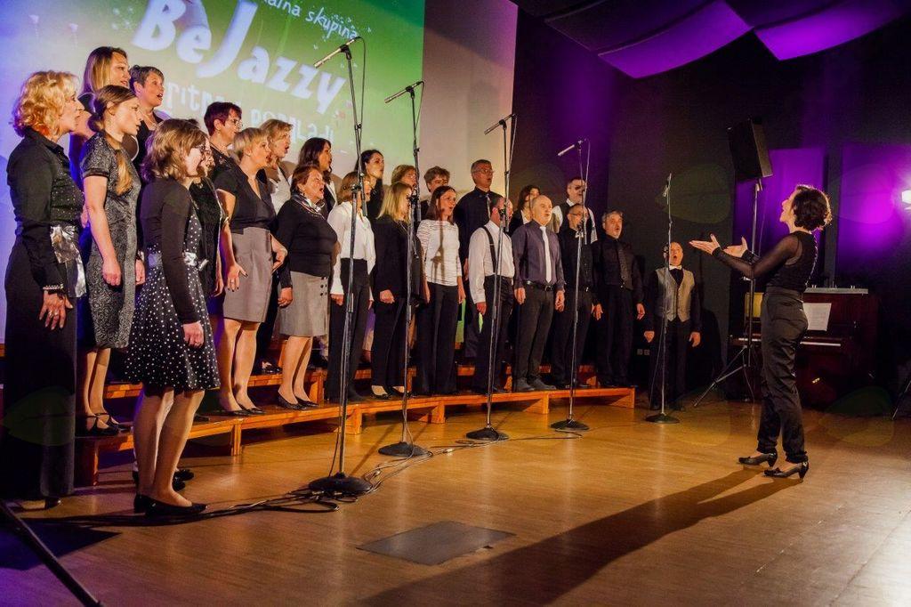 Koncert Vokalne skupine BeJazzy z gosti vokalna skupina Diversa in plesalci Kopitarji