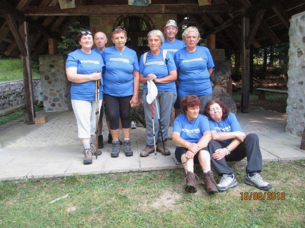 Čudovit pohod članov Društva invalidov Logatec na Kofce