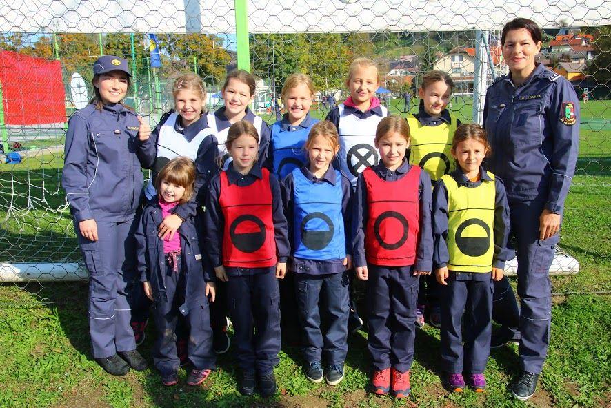 Pionirke PGD Socka na tekmovanju Gasilske zveze Vojnik-Dobrna 13. 10. 2019 v Vojniku